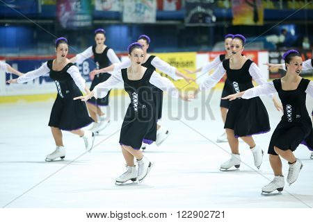 Team Italy Performing