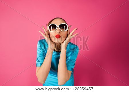 portrait on shocked and surprized young beautiful woman