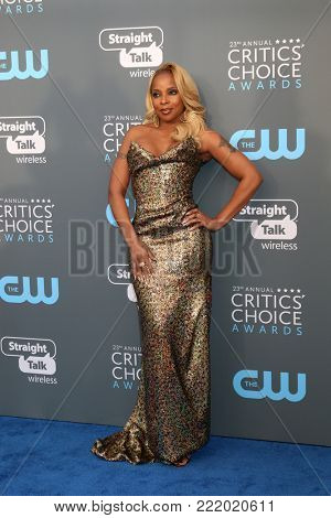 LOS ANGELES - JAN 11:  Mary J Blige at the 23rd Annual Critics' Choice Awards at Barker Hanger on January 11, 2018 in Santa Monica, CA