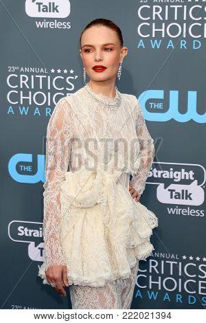 LOS ANGELES - JAN 11:  Kate Bosworth at the 23rd Annual Critics' Choice Awards at Barker Hanger on January 11, 2018 in Santa Monica, CA