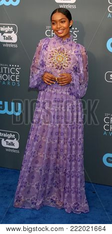 LOS ANGELES - JAN 11:  Yara Shahidi at the 23rd Annual Critics' Choice Awards at Barker Hanger on January 11, 2018 in Santa Monica, CA