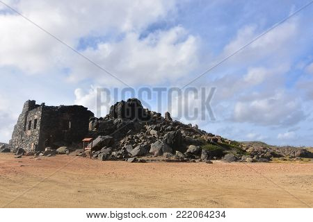 Amazing ancient gold mine ruins in Aruba