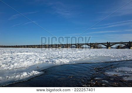 Frozen Susquehanna River in PA, USA.