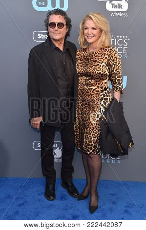 LOS ANGELES - JAN 11:  Ian McShane and Gwen Humble arrives for the 23rd Annual Critics' Choice Awards on January 11, 2018 in Santa Monica, CA