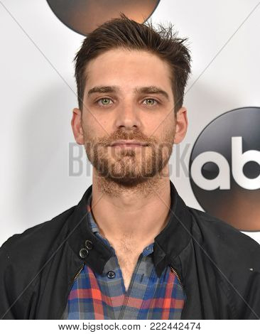LOS ANGELES - JAN 08:  Jeff Ward arrives for the ABC Winter 2018 TCA Event on January 08, 2018 in Pasadena, CA
