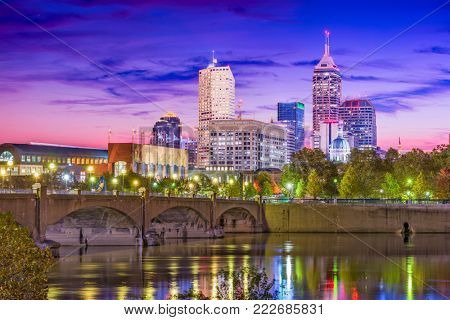 Indianapolis, Indiana, USA skyline on the White River.