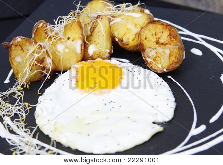 typical Spanish: Egg and chips