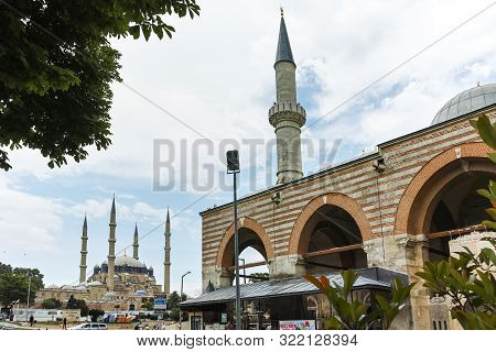 Edirne, Turkey - May 26, 2018: Eski Camii Mosque In The Center Of City Of Edirne, East Thrace, Turke