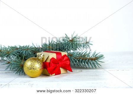 Christmas Balls, Christmas Card, Christmas Tree Decoration, Background Picture, Bokeh, Branch, Celeb