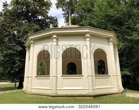 Echo Pavilion In The Park Maksimir, Latern-tempel Or Maksimirski Paviljon Jeka - Zagreb, Croatia (hr
