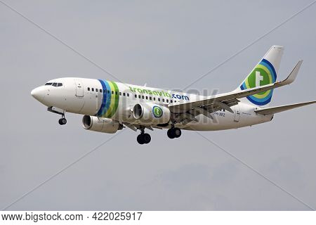Amsterdam, The Netherlands - August 15,2017: Tansavia Boeing 737 In Old Livery Color Ready For Landi