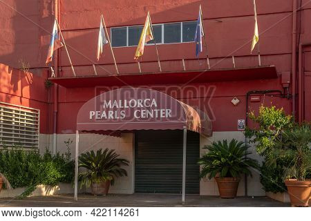Manacor, Spain; May 28 2021: Mallorca Pearls Center Pearl Manufacturing Company's Store And Factory