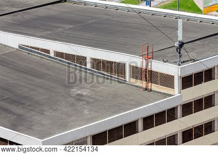Flat Roof Top Modern Commercial Building Car Garage Exterior Mixed-use Urban Multi-family Residentia