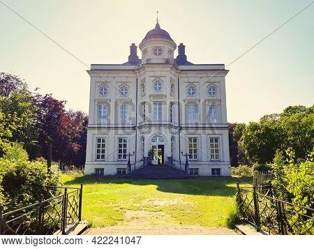Beveren, Belgium, May 2021: View On Hof Ter Saksen Castle In Beveren, Belgium.