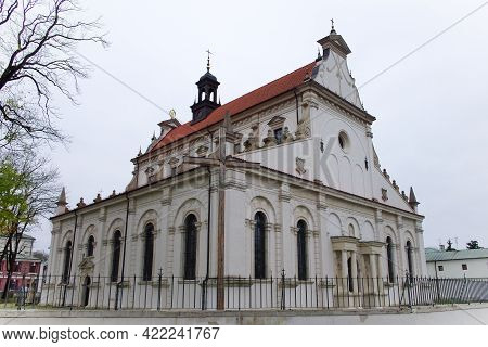 Cathedral Of The Resurrection And St. Thomas The Apostle, Zamosc. Ancient European Architecture, Lan