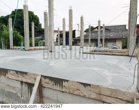 House Structure Construction Pour The Cement Floor And Pour The Cement Pillars Already.