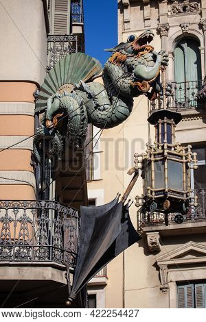 Barcelona, Spain - October 27, 2015: Chinese Dragon On 19th Century House Of Umbrellas (casa Bruno C
