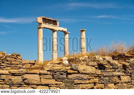 Antique Doric Columns And Ruins On Delos Island - Mythological, Historical, And Archaeological Site
