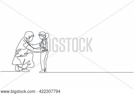 Single One Line Drawing Young Arabian Mother Talking, Giving Good Advise To Her Daughter Vector Illu