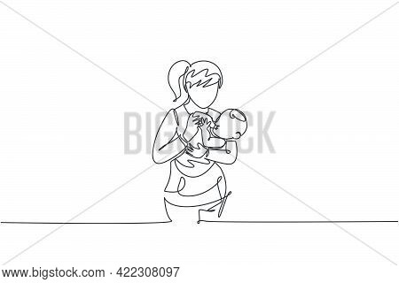One Single Line Drawing Of Young Mother Carrying And Feeding Her Baby With Nutritious Food At Home V