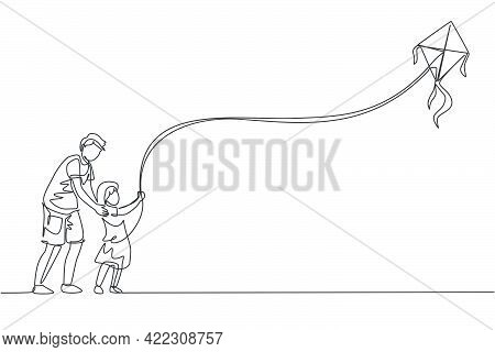 One Single Line Drawing Of Young Dad And His Daughter Playing To Fly Kite Up Into The Sky At Outdoor