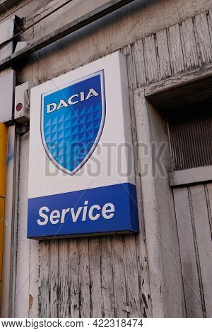 Bordeaux , Aquitaine France - 05 27 2021 : Dacia Service Sign Logo And Text Brand For Car Dealership