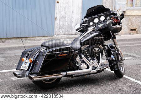 Bordeaux , Aquitaine France - 05 27 2021 : Harley Davidson Electra Road Glide Motorbike Black Americ