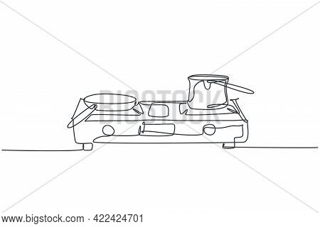 One Continuous Line Drawing Of Gas Stove With Stainless Steel Pan Above Home Appliance. Kitchen Elec