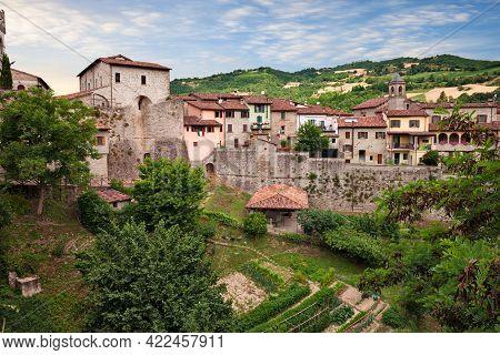 Civitella Di Romagna, Forli-cesena, Italy - Urban Landscape Of The Old Town With The Ancient City Wa