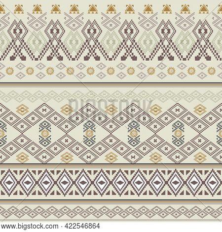 Geometric Seamless Patterns. Graphics Style Striped Texture, Vintage Maze Patterns, Geometric Stripe