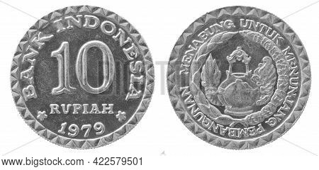 Obverse And Reverse Of 1979 10 Ruoiah Aluminium Indonesian Coin Isolated On White Background