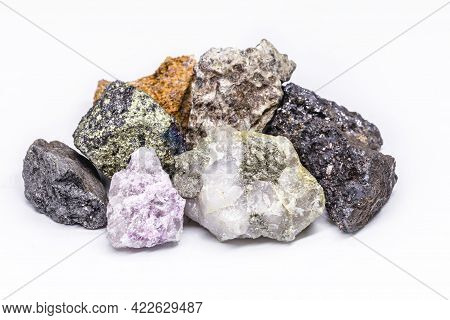 Collection Of Stones Extracted In Brazil, Mineralogy, Brazilian Mineral Wealth