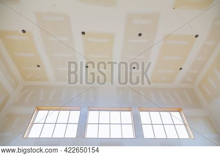 Finishing Putty In The Room Walls On Empty Apartment Room Renovation House Remodeling New House Unde