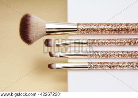 Golden Makeup Brush Set.professional Makeup Artist Tools For Applying Powder, Foundation, Eye Shadow