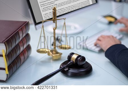 Online Law And Legal Tech. Lawyer Using Technology