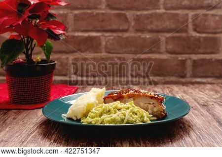 Roasted Ribs Marinated With Barbecue Sauce Served With Mashed Potatoes, Spaghetti And Bread. Plate O