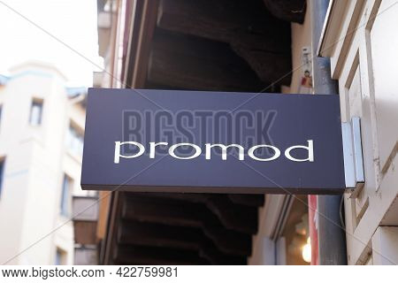 Bordeaux , Aquitaine France - 05 27 2021 : Promod Logo Sign And Brand Text On French Shop Chain For