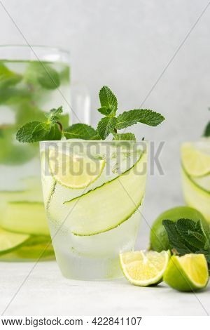 Refreshing Drinks With Lime And Cucumber