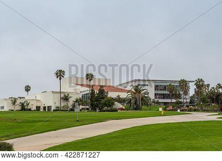 Santa Barbara, Ca, Usa - June 2, 2021: City College Facilities. Garvin Theatre Building And West Cam