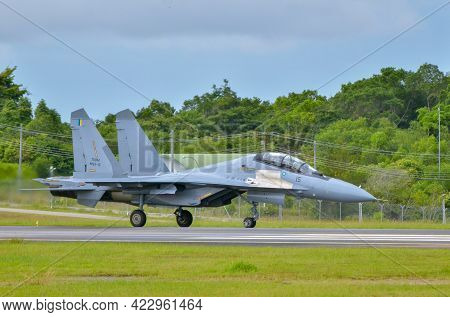 Labuan,malaysia-may 21,2021:royal Malaysia Air Force Sukhoi Su-30mkm Fighter Jet Taxiing To The Runw