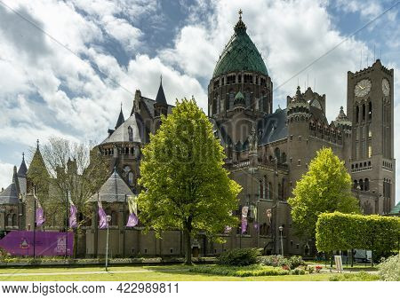 Haarlem, Netherlands - 21 May, 2021: View Of The Cathedral Of Saint Bavo In Haarlem
