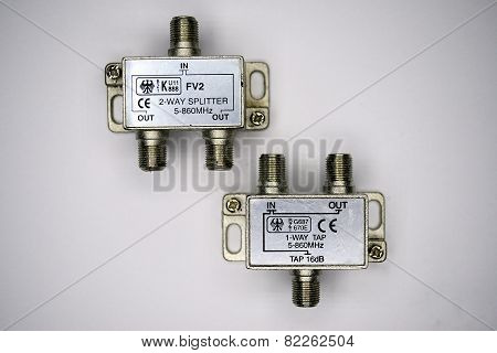Rf Splitter For Tv Networks In Private Collection