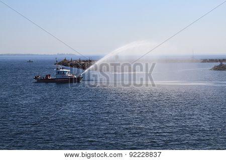 Fire Kingston Rescue Ship Checking Water Guns