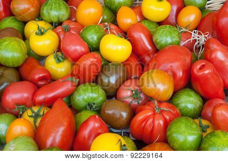 street market tomatoes