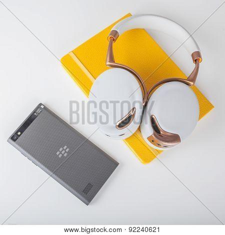 BlackBerry Leap smartphone and Parrot Zik ear-laps