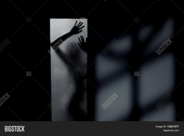 Сиськи в стекле, Голые сиськи малышек за стеклом (15 фото эротики) 21 фотография