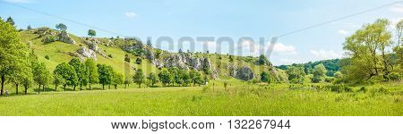 Valley Eselsburger Tal Panorama - Green Meadow