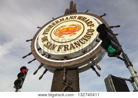 San Francisco, Usa - Fishermans Wharf Of San Francisco Central Sign