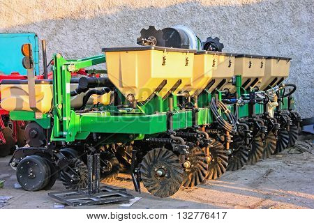 Details of agricultural machinery seeder grain harvester assembly repair and sale of agro machinery