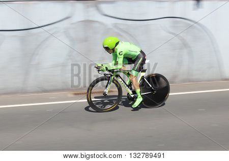 APELDOORN, NETHERLANDS-MAY 6 2016: Andre Cardoso of pro cycling team Cannondale Pro Cycling during the Giro d'Italia prologue time trial.